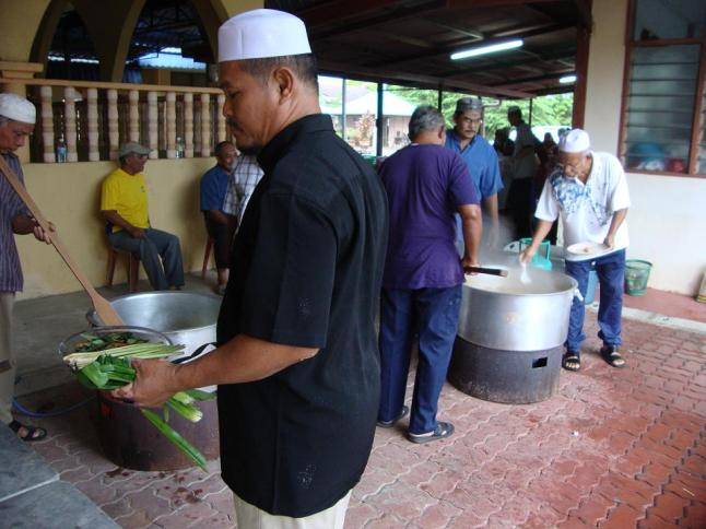 Masakan Yang Ringkas : Nasi Jagung 2 Periuk dan Gulai Daging Seperiuk